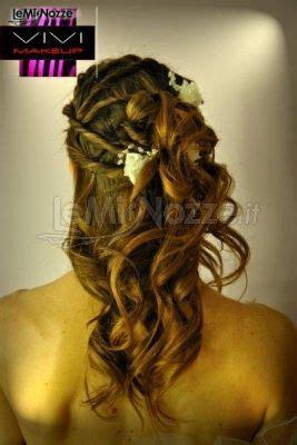 acconciatura con fiore acconciatura con fiore per il matrimonio vivi make up