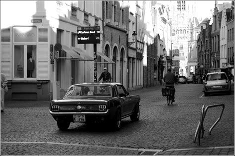 imagenes a blanco y negro de ciudades ciudad de brujas en blanco y negro imagen foto