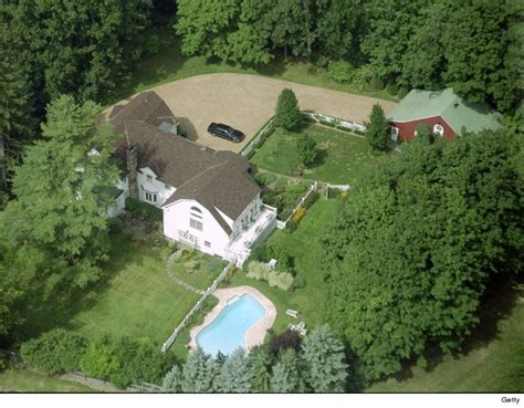 hillary clinton house chappaqua celebrity homes tmz com