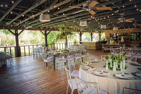Best Rustic Barn Wedding Venue   The Old Grove