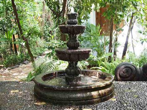 come costruire una fontana da giardino come costruire una fontana donna moderna