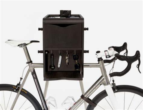 mueble para bicicleta un mueble para tener la bici en casa