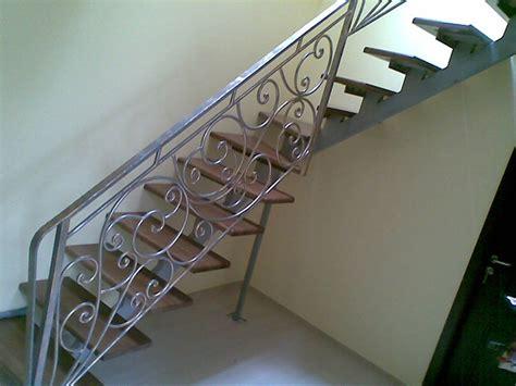 ringhiera scala ferro battuto parapetto scale in ferro battuto