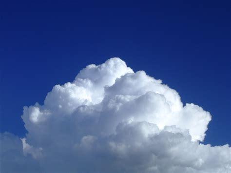 wallpaper blue cloud white cloud in blue sky okay wallpaper