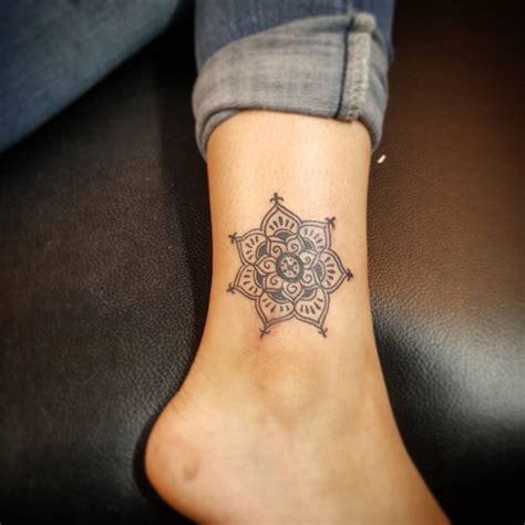 tattoo mandala paris 389 best images about tattoos on pinterest fonts small