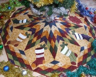 free pattern quilted christmas tree skirt free quilted tree skirt patterns patterns for christmas