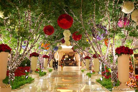 home and garden christmas decorating ideas christmas decor ideas from las vegas garden party flowers