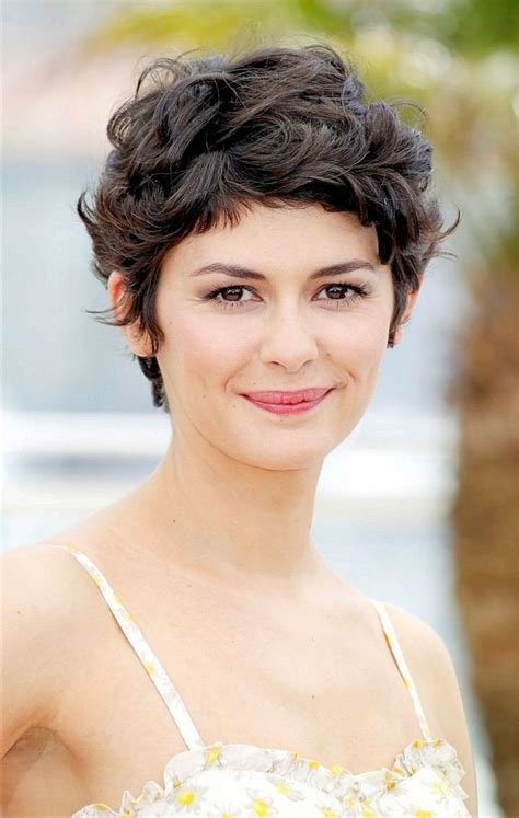 Hairstyles Pictures by Best 25 Curly Pixie Cuts Ideas On Curly Pixie