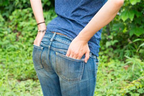 Comment Enlever Des Taches De Graisse Sur Un Mur Peint 3 astuces pour enlever une tache de graisse sur un jean