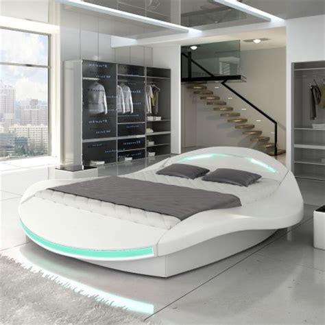 Merveilleux Chambre Ado Lit 2 Places #2: .lit_ado_design_moderne_pas_cher_blanc_avec_matelas_capitonne_et_led_integre_m.jpg