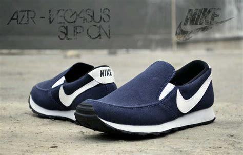 Sepatu Olahraga Pria Nike Azr jual sepatu casual pria nike azr vegasus slip on