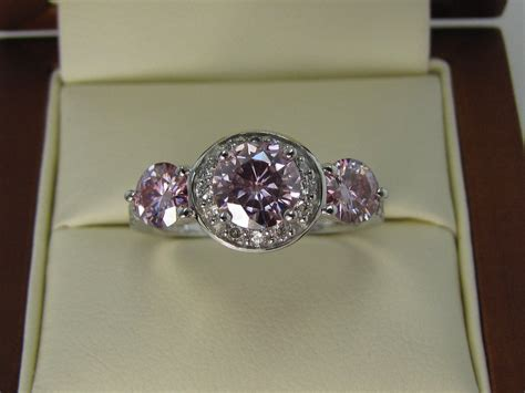 does using moissanite engagement rings bring out the