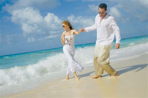 Wedding Attire Mexico by How To Plan A Destination Wedding In Mexico