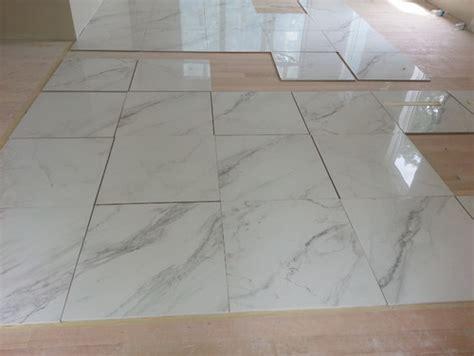 Fliese Marmoroptik by Marble Look Alike Tile For The Foyer