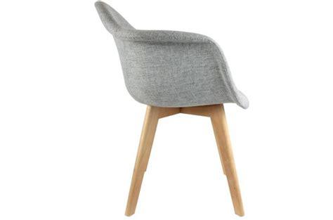 chaise tissu avec accoudoir chaise scandinave avec accoudoir tissu gris fjord chaise
