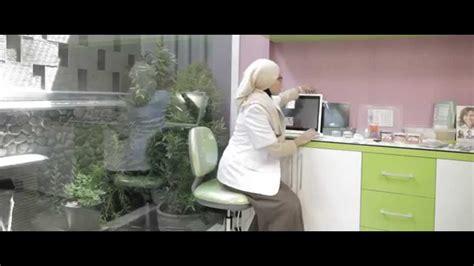Membersihkan Gigi Di Klinik Pasang Behel Di Dokter Gigi I Klinik Gigi Pasang Kawat
