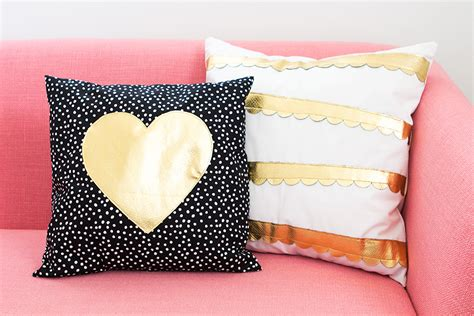 Gold Scallop Pillow by Gold And Scalloped Diy Pillows Hearts