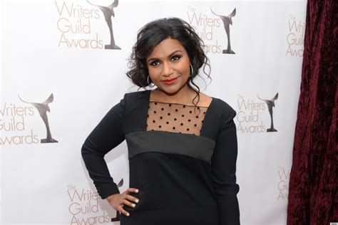 mindy kaling jewelry mindy kaling s jewelry taste might be too conspicuous