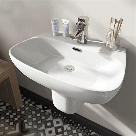 pedestal bathroom basins 1000 ideas about bathroom pedestal basins on pinterest