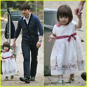 Tom And Throw A Tea For Suri by 2008 Just Jared Page 888