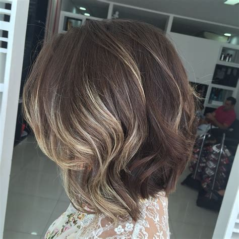 hairstyles with thick highlights 21 cute medium length bob hairstyles shoulder length