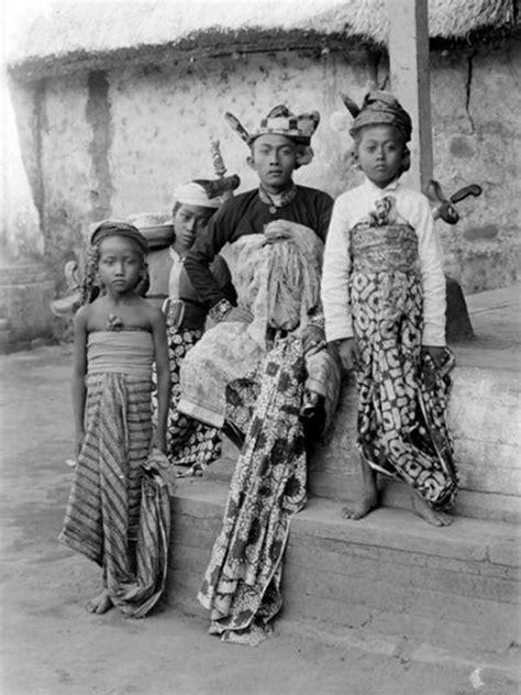 tato dayak kuno potret indonesia di awal abad 20 zodiac bintang com