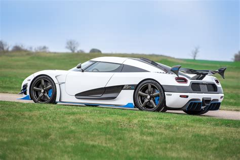 koenigsegg white koenigsegg agera rs1 debuts at 2017 new york auto show