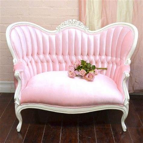 pink velvet settee victorian style pink velvet sofa pink glamour