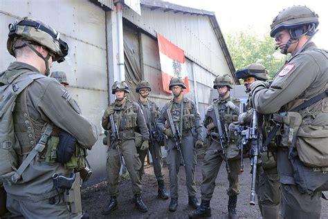 Lebenslauf Grundwehrdienst Ausbildung Bundesheer 7 J 228 Gerbrigade Fotogalerien 220 Bung Quot European Rhino Quot Soldaten Trainieren In Belgien
