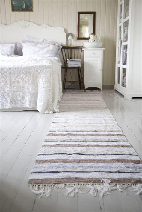 bedroom runner rug 17 best images about cottage bedroom on pinterest guest