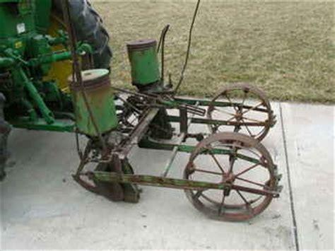 Deere 246 Corn Planter by Used Farm Tractors For Sale Deere 246 Corn Planter