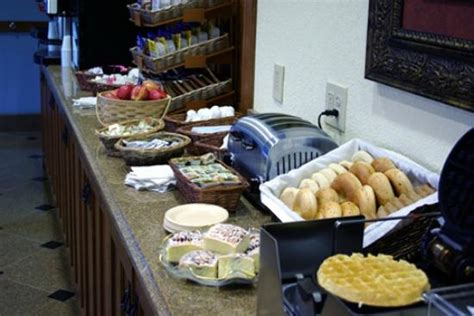 breakfast buffet picture of mountain inn suites