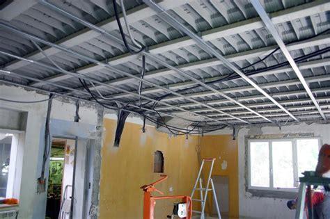 dalle de plafond 2008 isolation phonique de sol