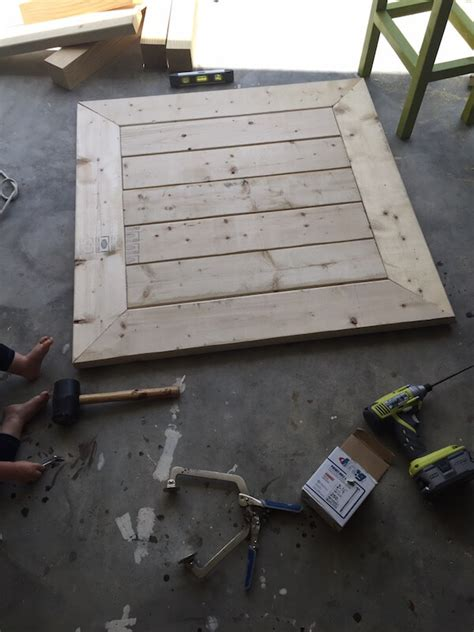 Square Coffee Table Building Plans by Square Coffee Table W Planked Top Free Diy Plans