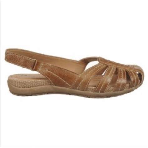 Sandal Jepit Keroppi Size 31 35 bare traps nib bare trap sandals s size 6 from a s closet on poshmark