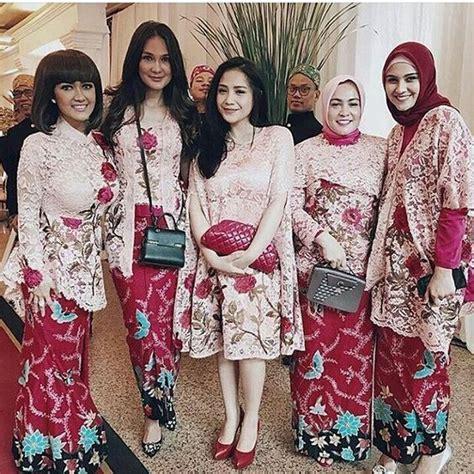 model kebaya rok batik blouse broklat kebaya artis nagita