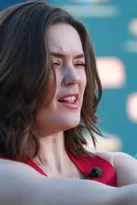 megan boone on extra set 05 gotceleb