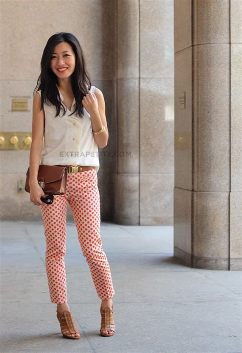 extra small girl best tips on how to wear capri pants if you are short height