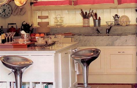mensole in cucina arredare la cucina con mensole in metallo soluzioni di casa