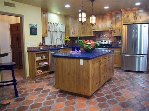 From Outdated Kitchen to Colorful Spanish Style Cocina   DIY