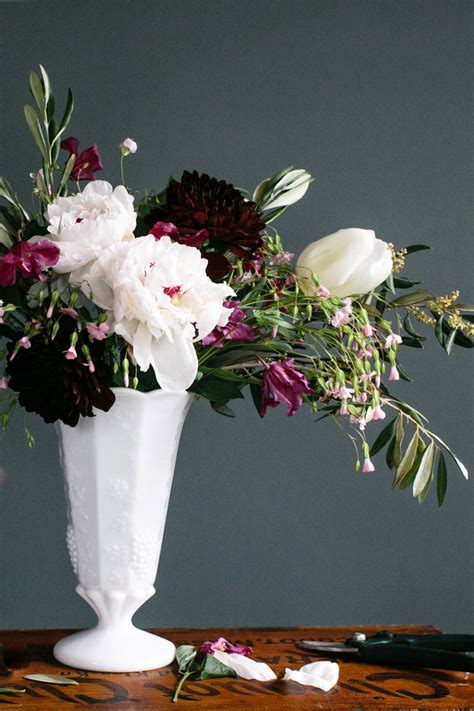 floral arrangements 4 steps to creating a professional flower arrangement