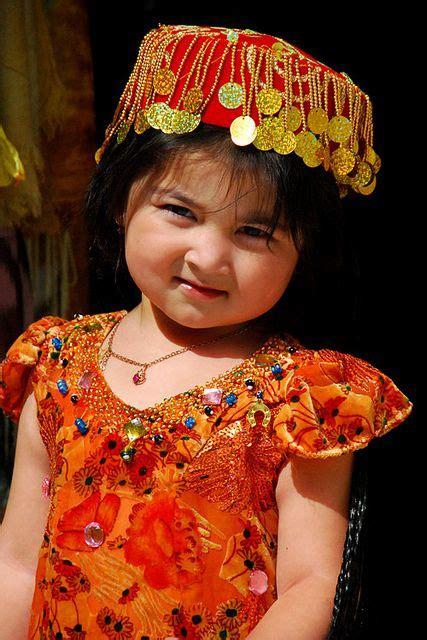 uzbek traditional costume in girl 54 best folk costume uzbekistan images on pinterest folk