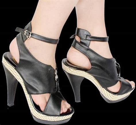 High Heels Bludru Hitam shoes
