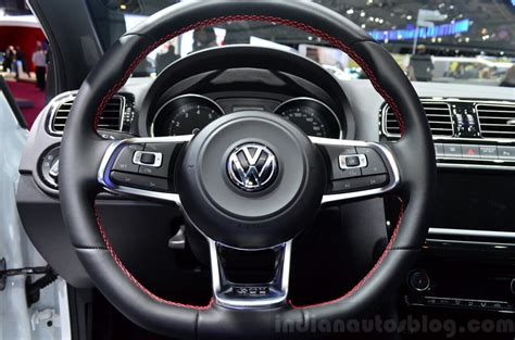 volante polo gti 2015 vw polo gti steering wheel at the 2014 motor show