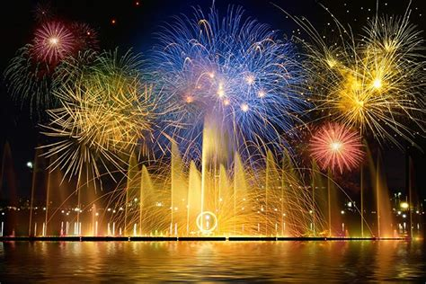 happy  year  fireworks pictures wallpapers  sharing  designbolts