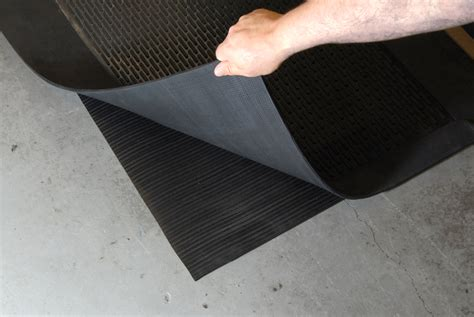 Heated Rubber Floor Mats - new greener heat anti fatigue mats warm and relieve aching