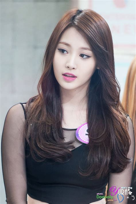 girl s girl s day yura reveals she was suppose to debut as a member of aoa koreaboo