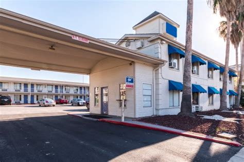 americas best value inn st louis downtown 2018 room prices 75 deals reviews expedia americas best value inn riverwalk downtown market square updated 2018 prices hotel reviews