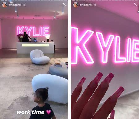 kylie jenner   work office  design decor  style living