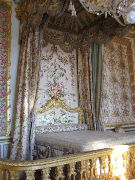 marie antoinette bedroom bedroom marie antoinette versailles la reine sans tete pinterest